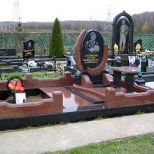 Фигурные памятники