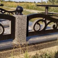 Цоколя, ограды, цветники из гранита_5