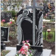 Одинарный памятник с крестом, памятник из гранита с крестом